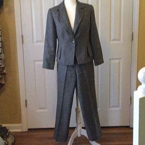 Larry Levine Classics Petite pants suit